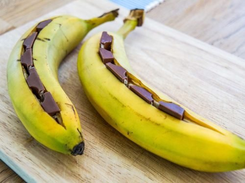 Bananen grillen - Grilldessert mit Kinderschokolade - SilverTravellers