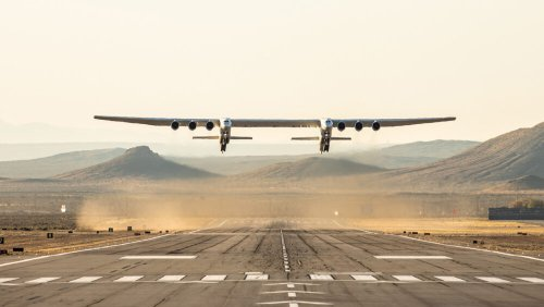 Where Do The Pilots Sit On The Stratolaunch Aircraft?