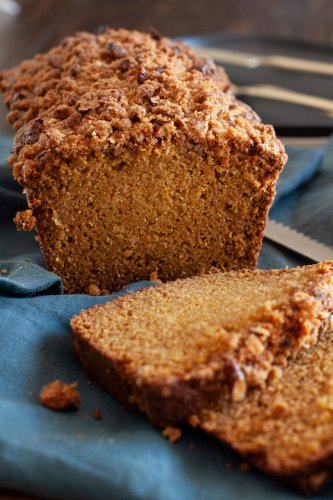 Butternut Squash Bread with Pecan Streusel