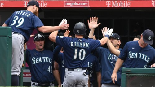 Ohtani not enough, Mariners send Angels to losing season
