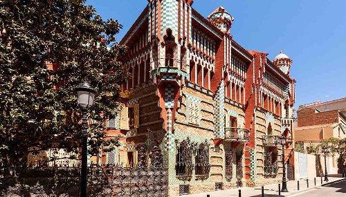 Quest'autunno puoi dormire a Barcellona. Nella casa di Antoni Gaudí