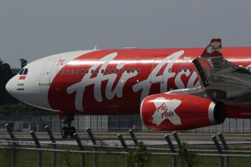AirAsia X Plans to Pay Back 0.5 Percent of Its $8.1 Billion Debt and Terminate All Contracts