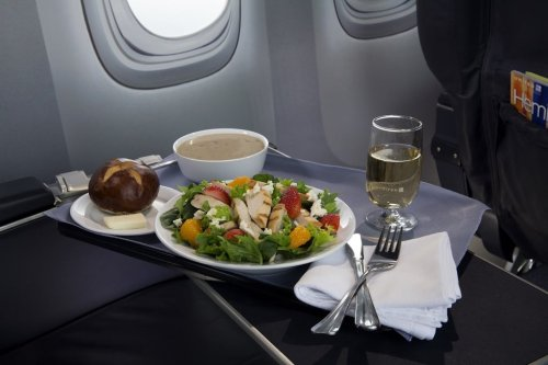 United's Meal Fare to Be Served Up by Outside Caterer Starting This Fall