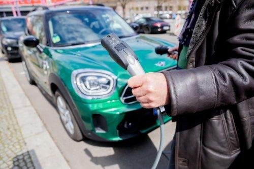 Bonus auto 2021, nuovi fondi e incentivi: requisiti e come richiederlo