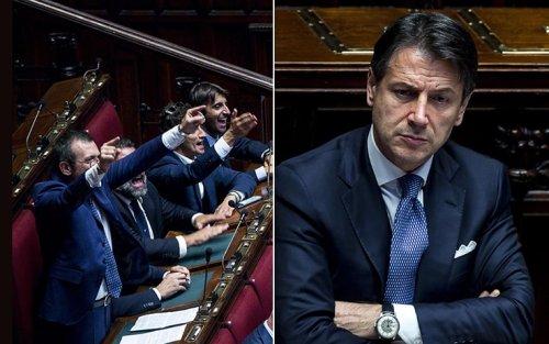CRISI DI GOVERNO cover image