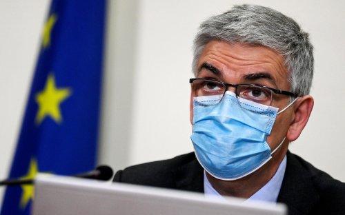 Brusaferro: 'Infezione cresce'. Variante Delta al 94,8% in Italia