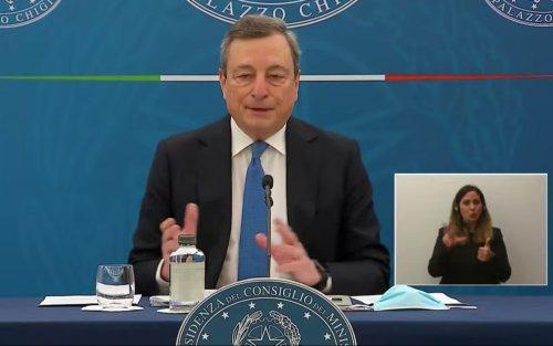 Covid e riaperture, Draghi: precedenza a scuole ed attività all'aperto