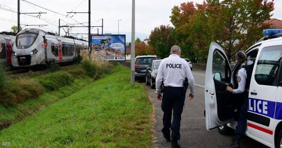 كانول مستلقين على السكة.. مصرع ثلاثة مهاجرين تحت عجلات قطار في فرنسا