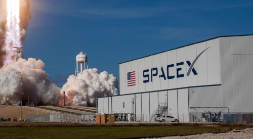 Watch SpaceX dramatically catch both halves of its Falcon fairing