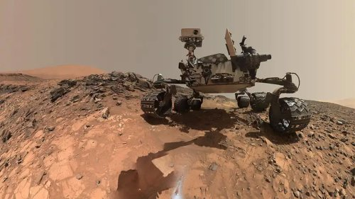Curiosity rover might be sitting on top of methane-producing microbes