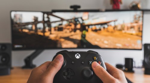 Study finds a good reason to limit young teens to an hour of gaming daily
