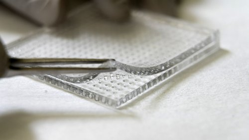 Microneedle array delivers medication directly to a wound