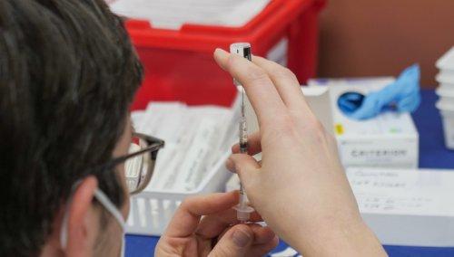 "J&J vaccine benefit outweighs ""very rare"" blood clot risk says EU regulator"