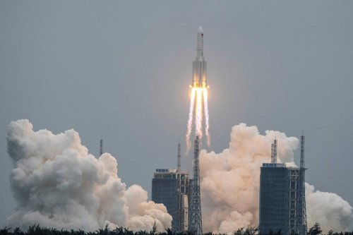 Chinese Rocket Debris Hurtling Toward Earth, Point of Impact Unknown