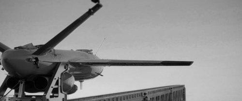 Aux États-Unis, Kratos teste un drone lanceur de drones kamikazes