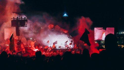 La MDMA a tellement circulé au dernier festival de Glastonbury qu'elle a pollué la rivière