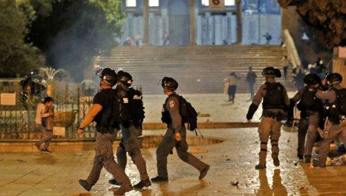 À Jérusalem, de violents affrontements sur l'esplanade des Mosquées font plus de 200 blessés