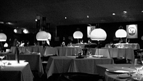 En France, au restaurant, quand tu ne manges pas de viande et que tu ne bois pas d'alcool, en fait tu ne manges pas
