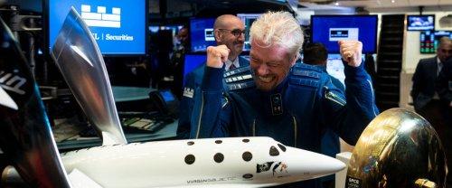 Richard Branson va couper l'herbe spatiale sous le pied de Jeff Bezos