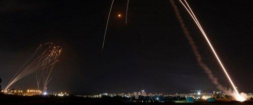 Comment fonctionne le Dôme de fer israélien, et comment les roquettes du Hamas cherchent à le percer
