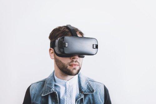 Apples AR/VR Headset soll mit bis zu 15 Kameras ausgestattet sein