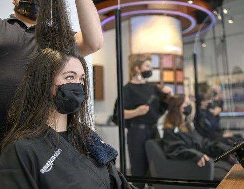 Amazons erster Friseur Salon zeigt euch eure neue Haarfarbe mittels AR