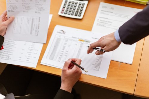 What does a bookkeeper do?