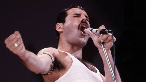 """""""Ay-Oh!"""" How Freddie Mercury became the master of winning over a crowd"""