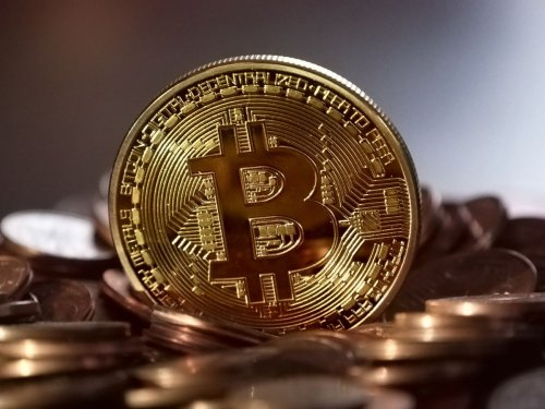 El bitcoin alcanza nuevo récord antes del histórico lanzamiento de Coinbase a Nasdaq   Solo Dinero