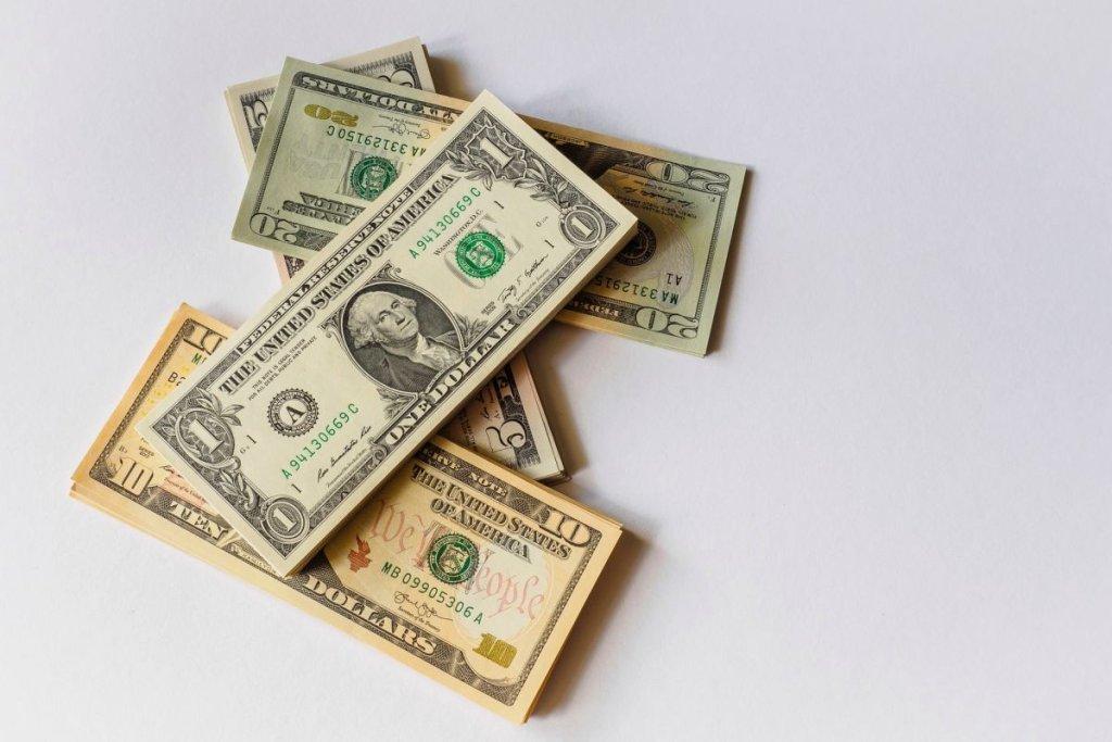 Solo Dinero - cover