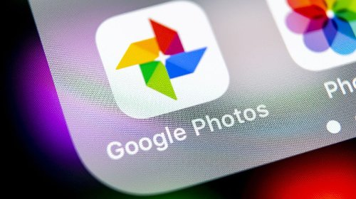 Google Photos has the expected functionality