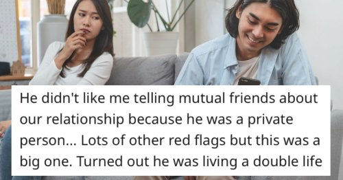 17 women share the red flags they regret ignoring early in a relationship.