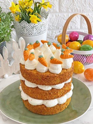 Himmlische Karotten-Haselnuss-Torte mit Vanillecreme   Ostertorte
