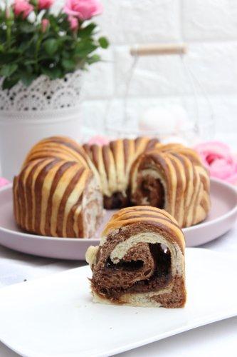 Superleckeres Wollknäuelbrot mit Rocher-Schokolade | Woll Roll Bread