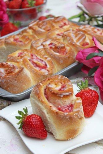 Erdbeer-Schnecken mit Guss Rezept | Mega lecker und schnell gemacht
