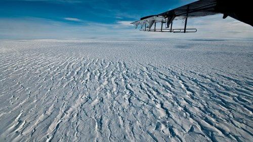 Klimawandel in der Antarktis: Zerfallendes Eisschelf beschleunigt wichtigen Gletscher