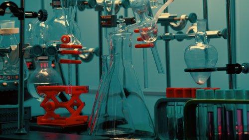 Berühmtes Experiment: »Ursuppe« zündet nur im Glaskolben richtig