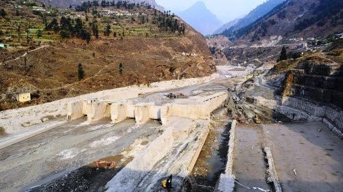 Naturkatastrophen: Doppelschlag löste tödliche Fluten aus