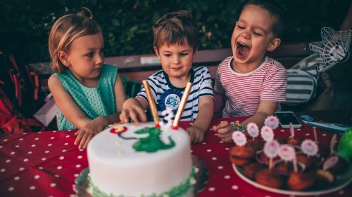 Hemmes mathematische Rätsel: Wie alt sind die drei Frauen?
