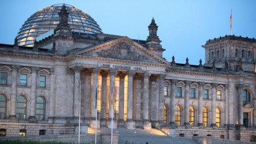 Briefwahl, Desinformation, Hackerangriffe: Wie sicher ist die Bundestagswahl?