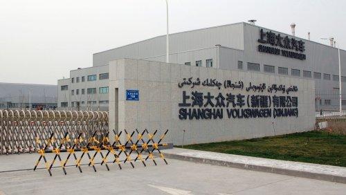 Diskriminierung von Uiguren in China: Volkswagen verteidigt Fabrik in Xinjiang