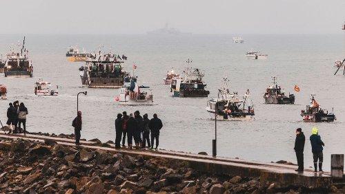 Streit um Fangrechte: Französische Fischer und britische Marine verlassen Jersey