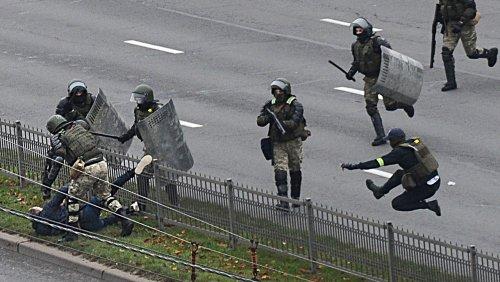 Belarus: Lukaschenko erweitert Befugnisse der Polizei bei Protesten