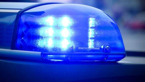 Bruchsal: Mann lässt 16 Monate altes Kind im Auto-Fußraum mitfahren