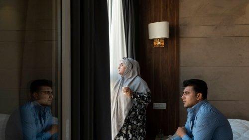 Geflüchtete Afghanen in Albanien: »Ich bin nur körperlich hier. Mit dem Kopf bin ich woanders«