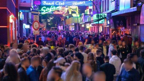 Volle Stadien und Klubs möglich: Hamburg lockert 2G-Modell weiter