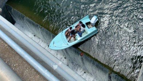 Texas: Nase über dem Wasserfall – Boot vor Absturz gerettet
