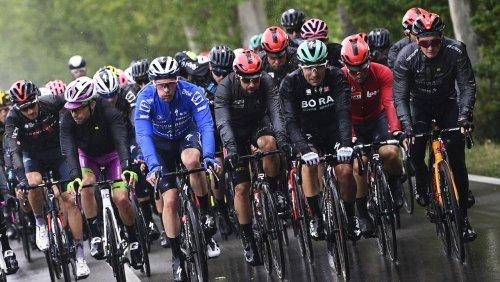 4. Etappe des Giro d'Italia: Führungswechsel im Regen – und Buchmann verliert erneut Zeit