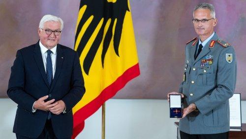 Nach Abzug aus Afghanistan: Kommandeur des Evakuierungseinsatzes erhält Bundesverdienstkreuz
