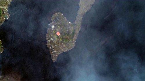 Drohnenaufnahmen nach Vulkanausbruch: Das Wunderhaus von La Palma